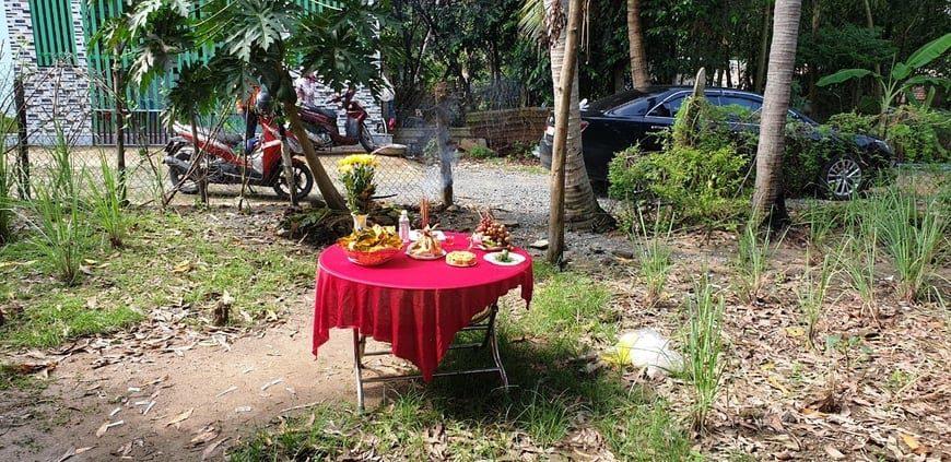 Gia đình chị Kiều Anh làm lễ động thổ khởi công xây dựng căn Biệt thự
