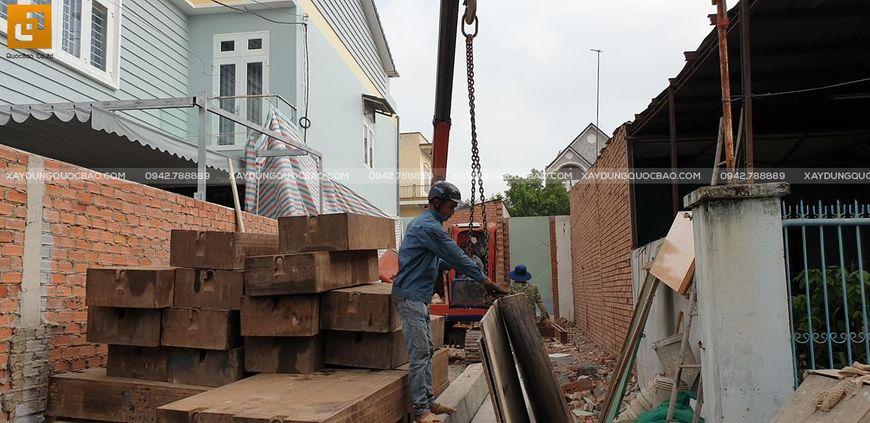 Chuẩn bị ép cọc gia công móng biệt thự nhà vườn anh Nam tại Trảng Bom - Đồng Nai