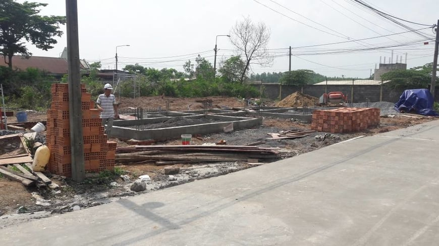 Thi công biệt thự sân vườn gia đình anh Hà tại Trảng Bom - Đồng Nai - Ảnh công trường 2