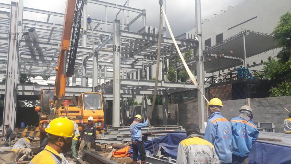 Thi công nhà cao tầng kết cấu thép hình - Ảnh công trường 13