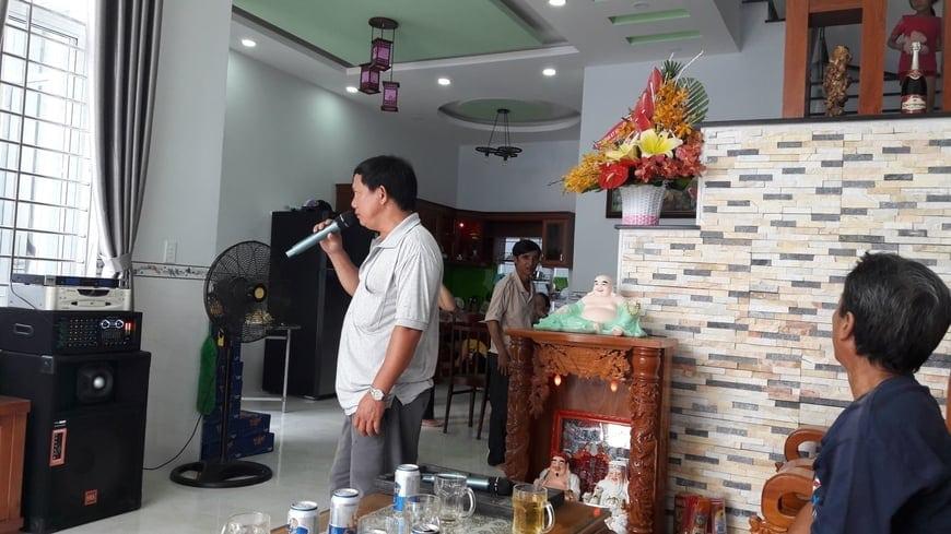 Bàn gia nhà cho gia đình anh Hùng