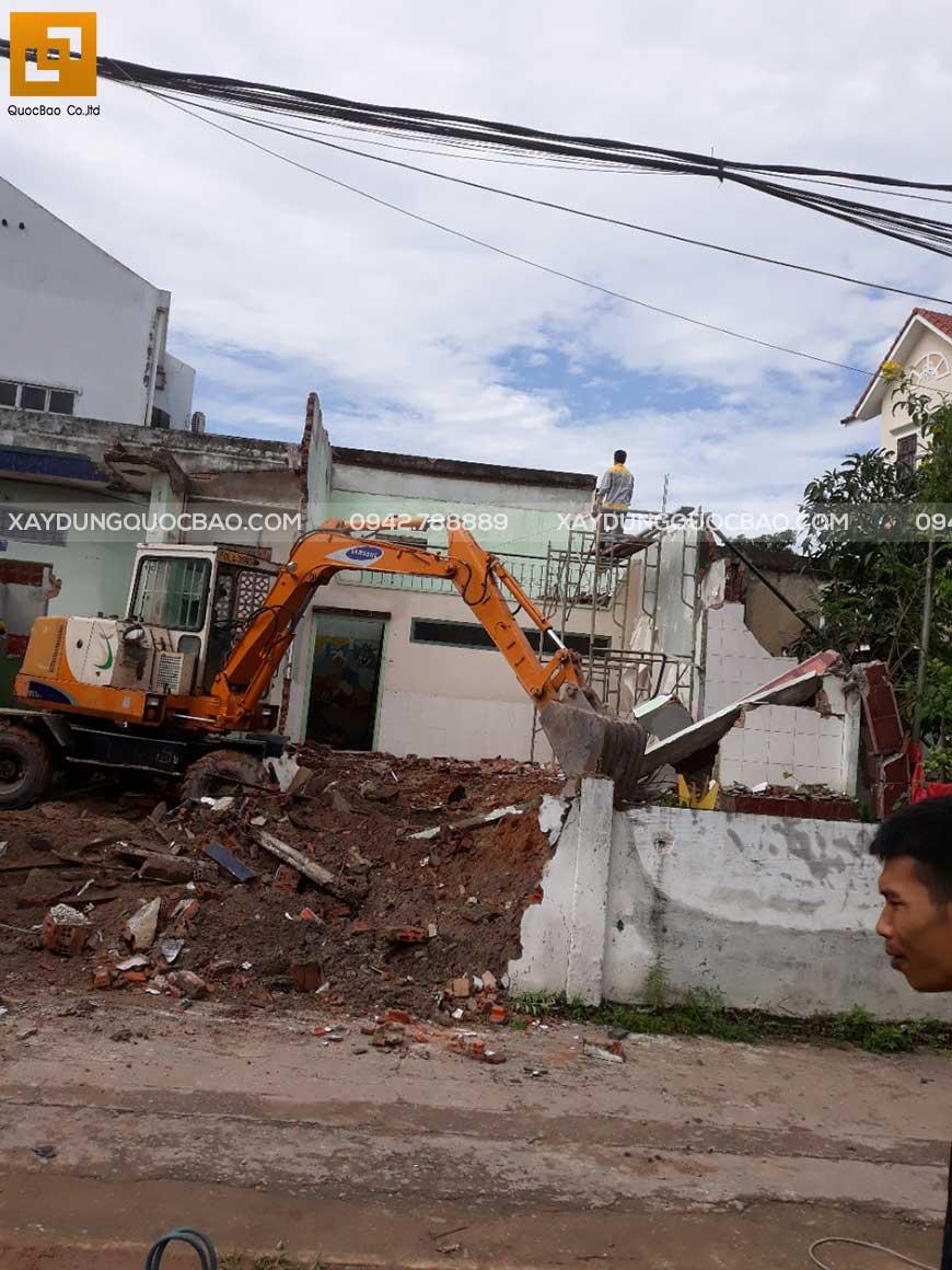 Thi công san lấp mặt bằng ngôi nhà cũ gia đình anh Phước - Hố Nai - Biên Hòa