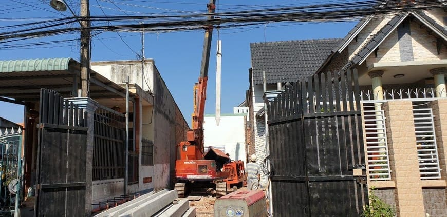 Thi công ép cọc bê tông gia công phần móng nhà nhiều tầng