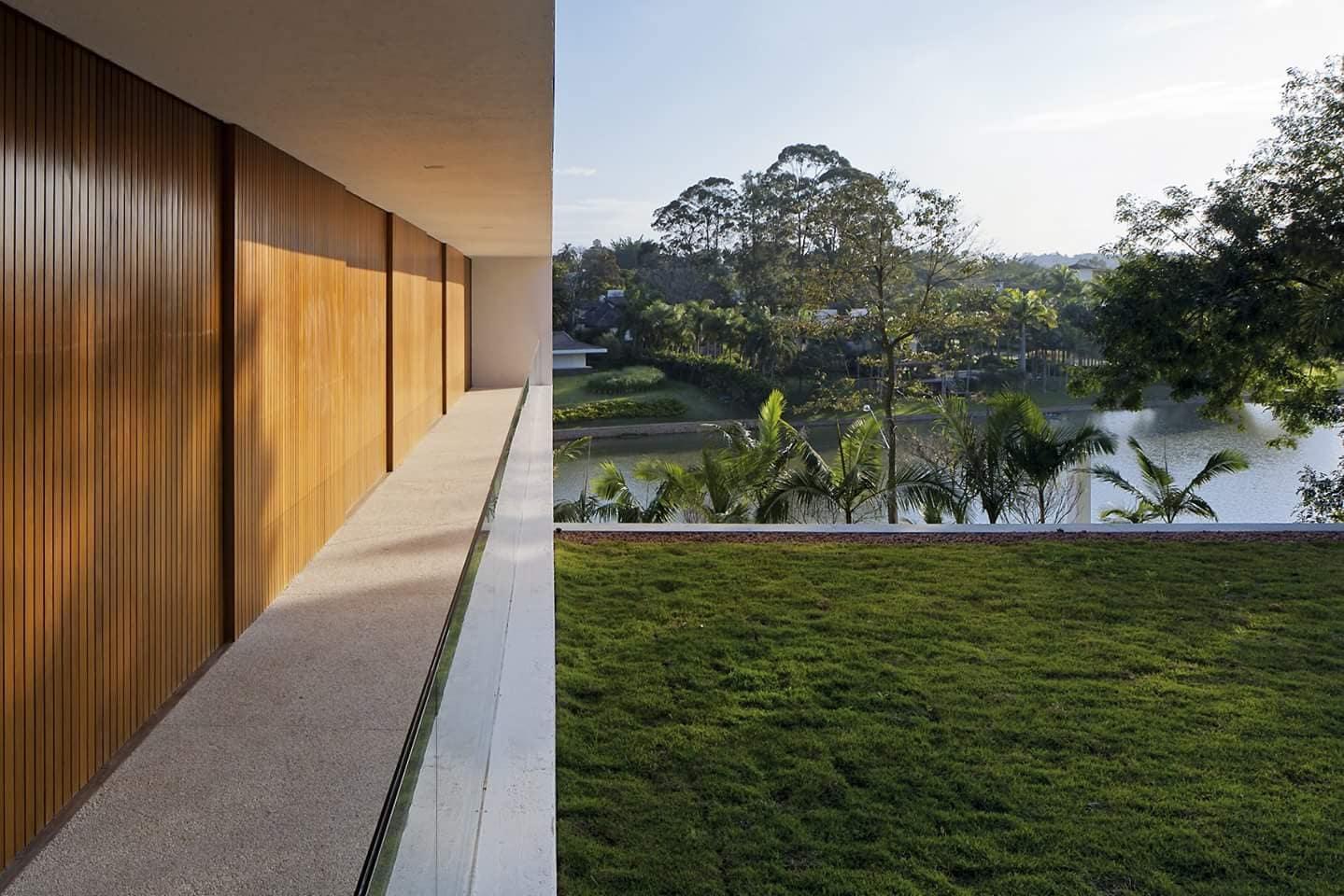 Góc nhìn từ Villa ra hồ nước đẹp mắt