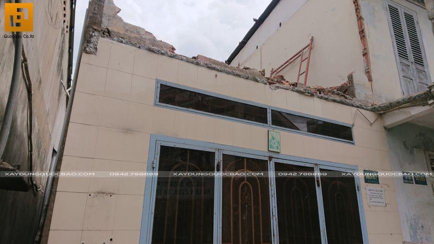 Phá dỡ công trình cũ, chuẩn bị mặt bằng để thi công