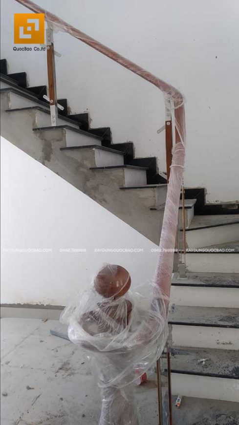 Hoàn thiện cầu thang lầu 1 ngôi nhà phố