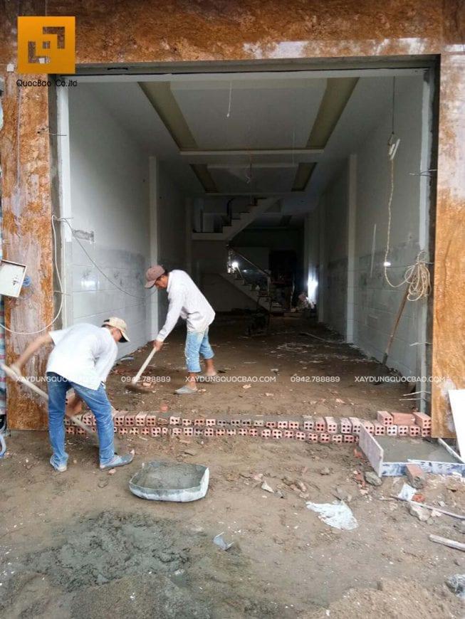 Thi công phần hoàn thiện nhà phố 4 tầng - Ảnh 1