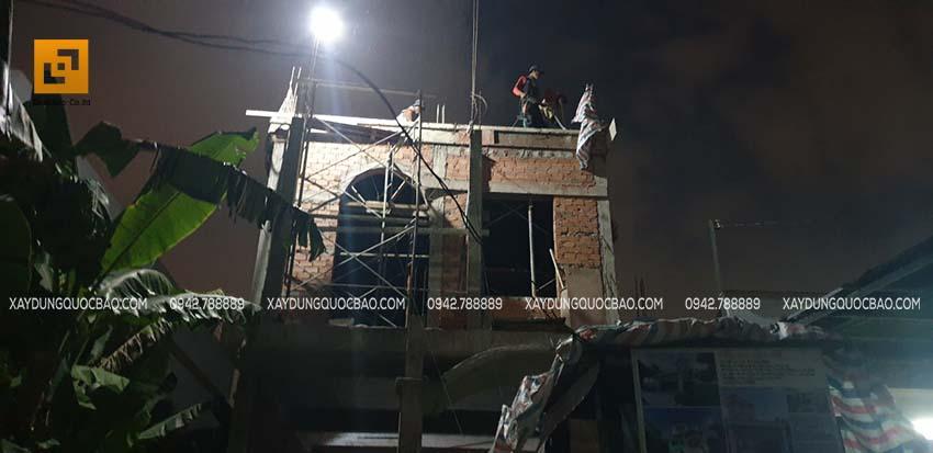 Công nhân ZCONS tăng cường làm ca đêm để kịp tiến độ bàn giao nhà trước Tết Nguyên Đán 2020