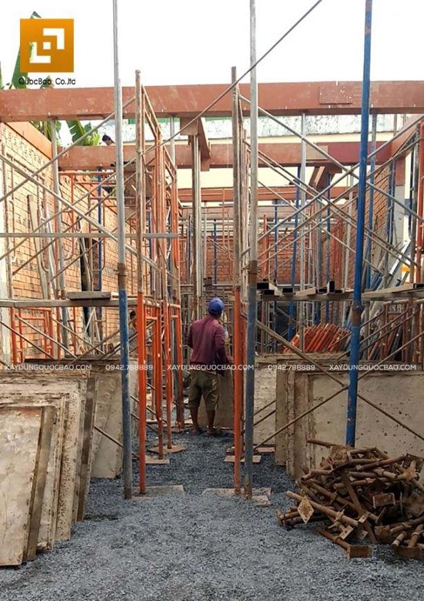 Lắp dựng coppha, cốt thép cột, dầm và đổ bê tông - Ảnh 3