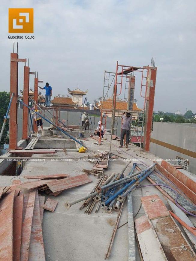 Công tác đổ bê tông cột, trụ tầng tum