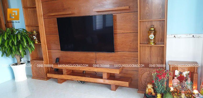 Kệ để tivi sử dụng gỗ cao cấp tạo điểm nhấn cho căn nhà