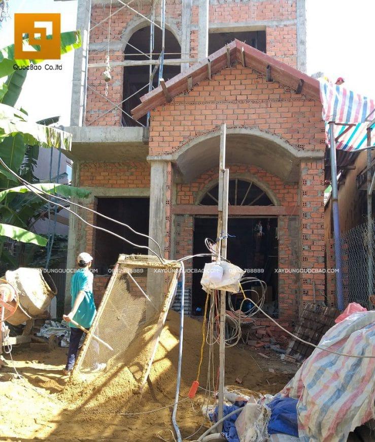 Công tác thi công phần thô nhà phố Tân cổ điển 3 tầng chuẩn bị hoàn tất