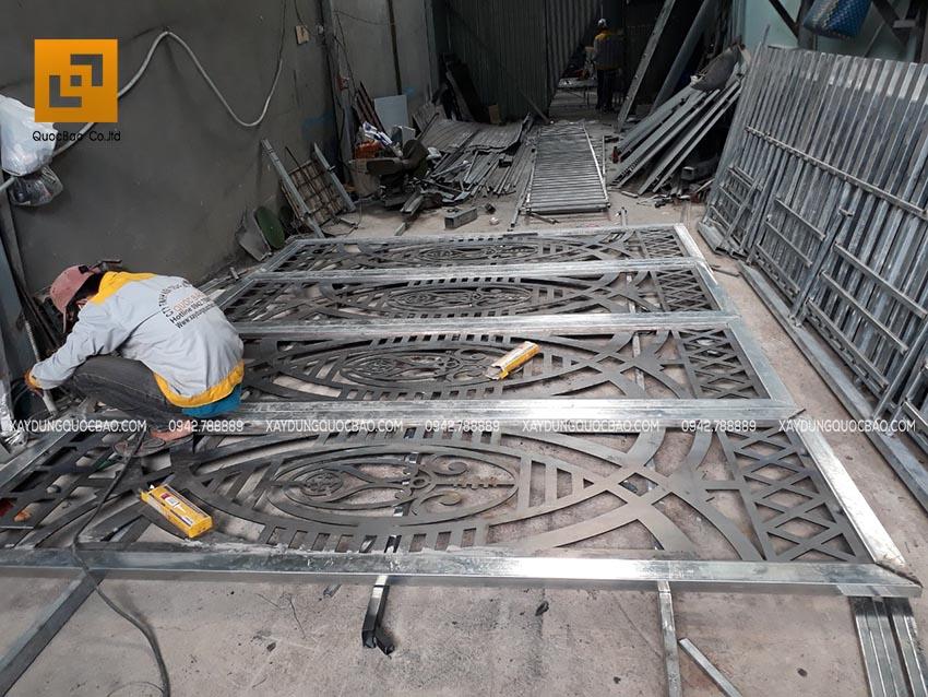 Thi công cơ khí lắp đặt cửa sắt CNC tại Nhơn Trạch