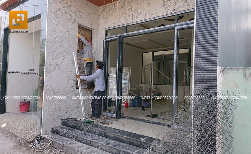 Ốp đá mặt tiền nhà và thi công các hạng mục trang trí ngoài nhà