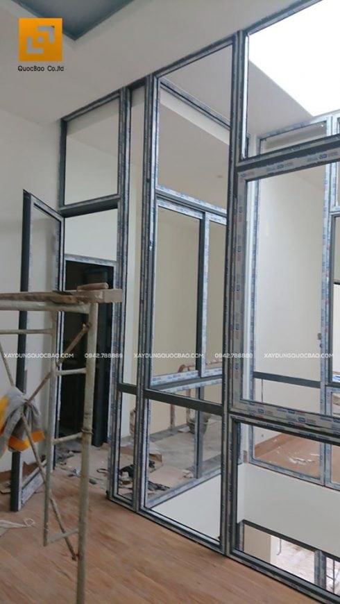 Lắp đặt các khung cửa nhôm Xingfa ở các phòng