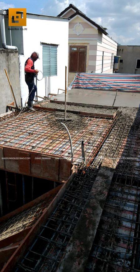 Công tác đổ bê tông phải được tiến hành liên tục và đều khắp sàn