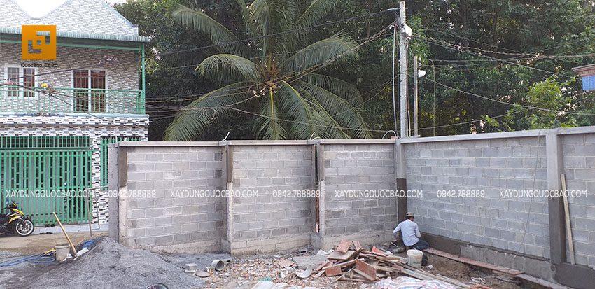 Tô trát tường hàng rào bao quanh Biệt thự