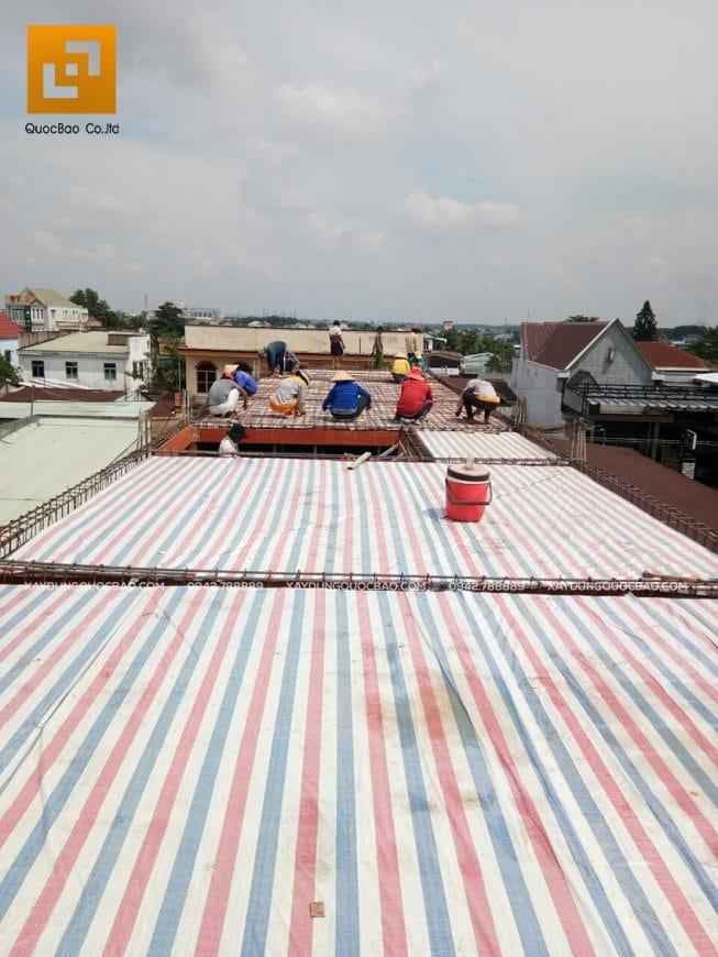 Lắp coffa dầm, sàn lầu 1 để đổ bê tông