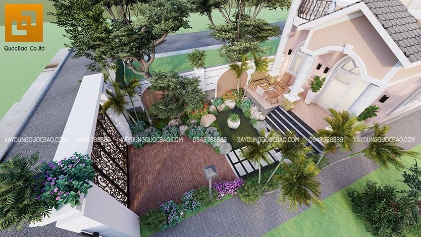 Không gian sống xanh sạch, gần gũi với thiên nhiên. Sân trước nhà có hồ cá nhỏ vừa trang trí cảnh quan sân vườn vừa đem lại phong thủy tốt cho ngôi nhà.