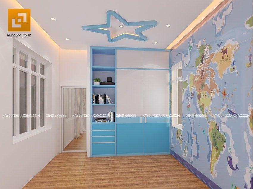 Trong phòng ngủ, nhiều họa tiết vừa vui mắt vừa kích thích sự tìm hiểu của trẻ. Bức tranh bản đồ thế giới, kệ sách dành cho trẻ sẽ kích thích sự đam mê học tập của bé