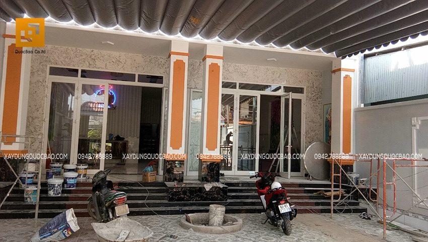 Mặt tiền nhà phố 2 tầng đã hoàn thiện của gia đình anh Trí và Tín