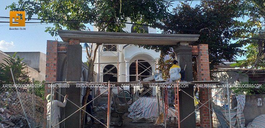 Thi công cổng nhà Biệt thự 2 tầng tại Biên Hòa, Đồng Nai