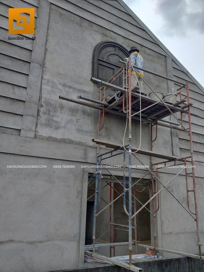 Thi công tạo hình, chạy phào chỉ trang trí ngoại thất bên ngoài Biệt thự