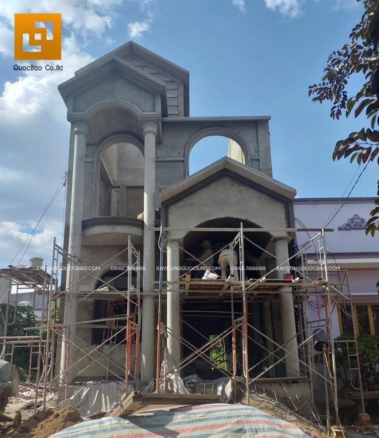 Biệt thự 2 tầng đứng sừng sững giữa lòng thành phố Biên Hòa