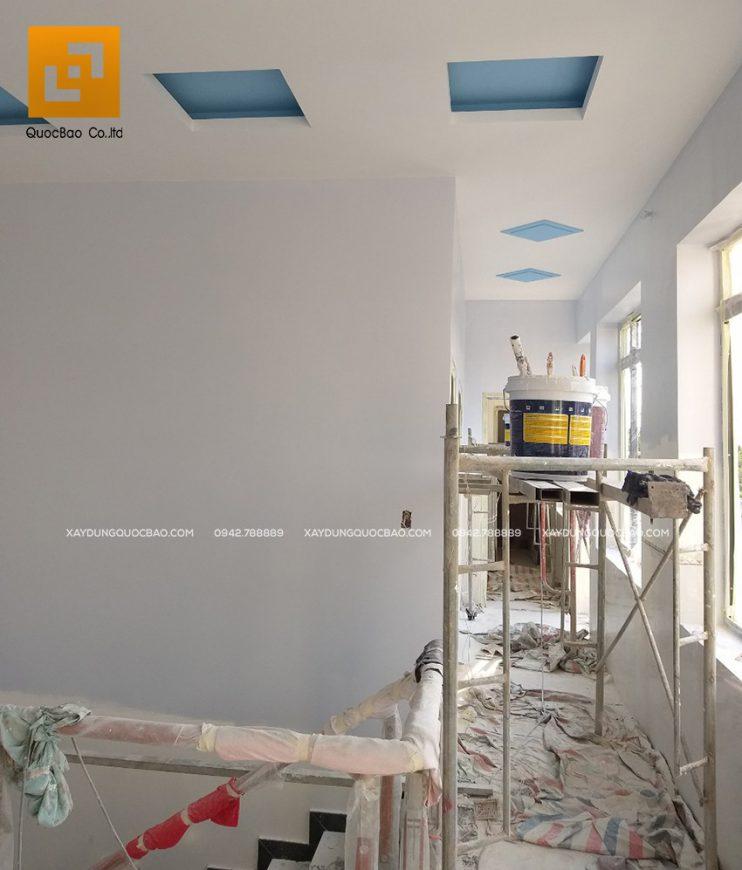 Trang trí sơn phủ không gian phòng sinh hoạt chung ở lầu 1