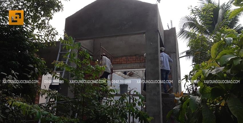 Công tác tô trát xi măng mặt trong mặt ngoài của biệt thự