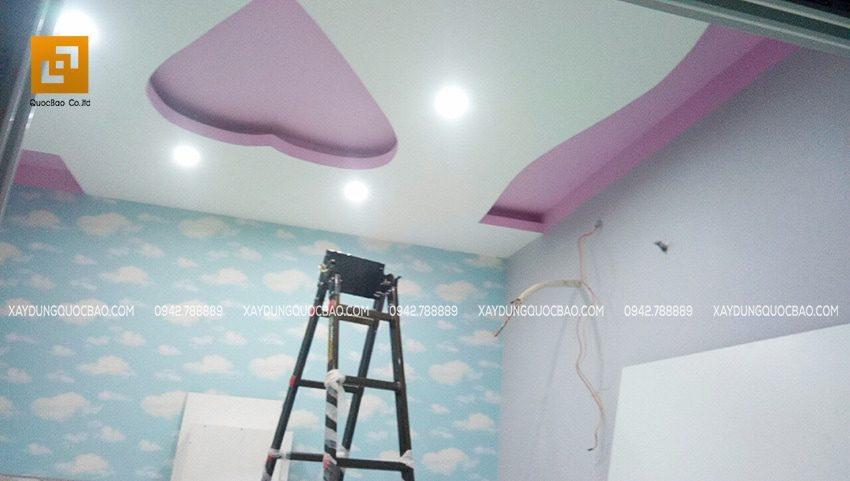 Thi công trần thạch cao và trang trí nội thất phòng ngủ master