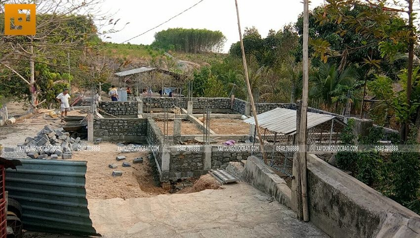 Thi công xây đá móng dầm tầng trệt - Ảnh 3