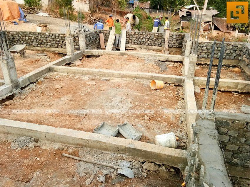Thi công xây đá móng dầm tầng trệt - Ảnh 4
