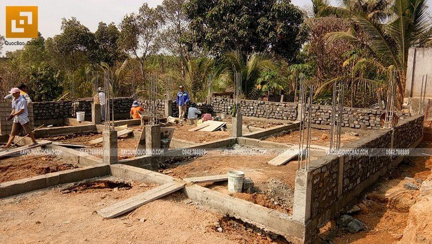 Thi công xây đá móng dầm tầng trệt - Ảnh 5