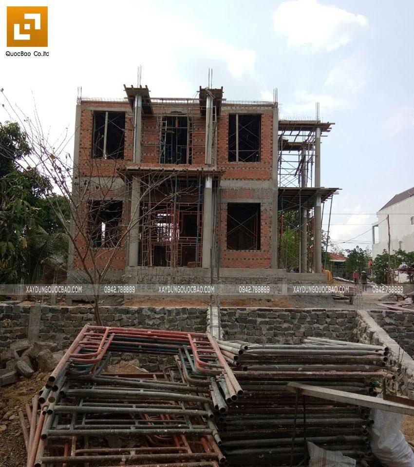 Thi công phần thô biệt thự 2 tầng - Ảnh 2