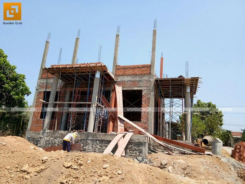 Công tác lắp dựng cốp pha trụ cột lầu 1 - Ảnh 2