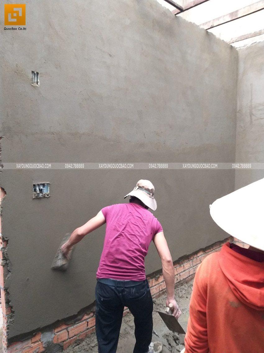 Công đoạn tô trát xi măng các vách tường trong nhà - Ảnh 2