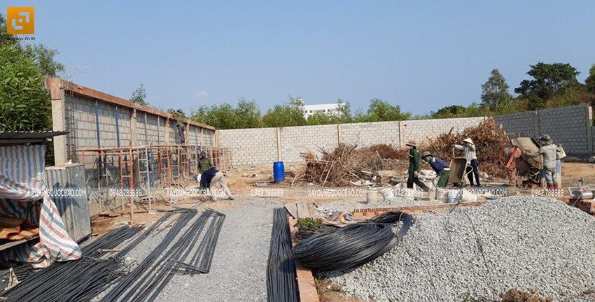 Công tác thi công tường rào, hàng rào quanh khu đất - Ảnh 12