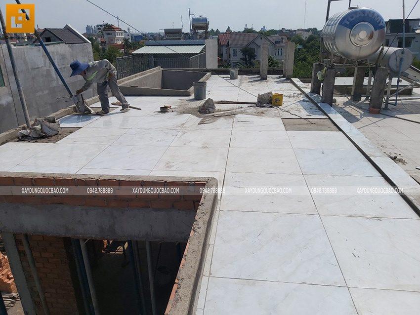 Dọn vệ sinh khu vực tầng tum - Ảnh 2