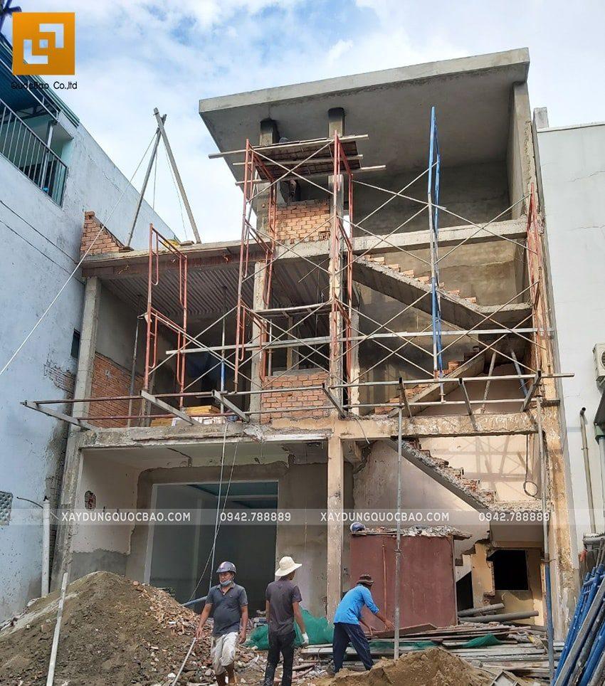 Ngôi nhà hiện đại 3 tầng đã thành hình, công đoạn xây thô đã dần hoàn tất
