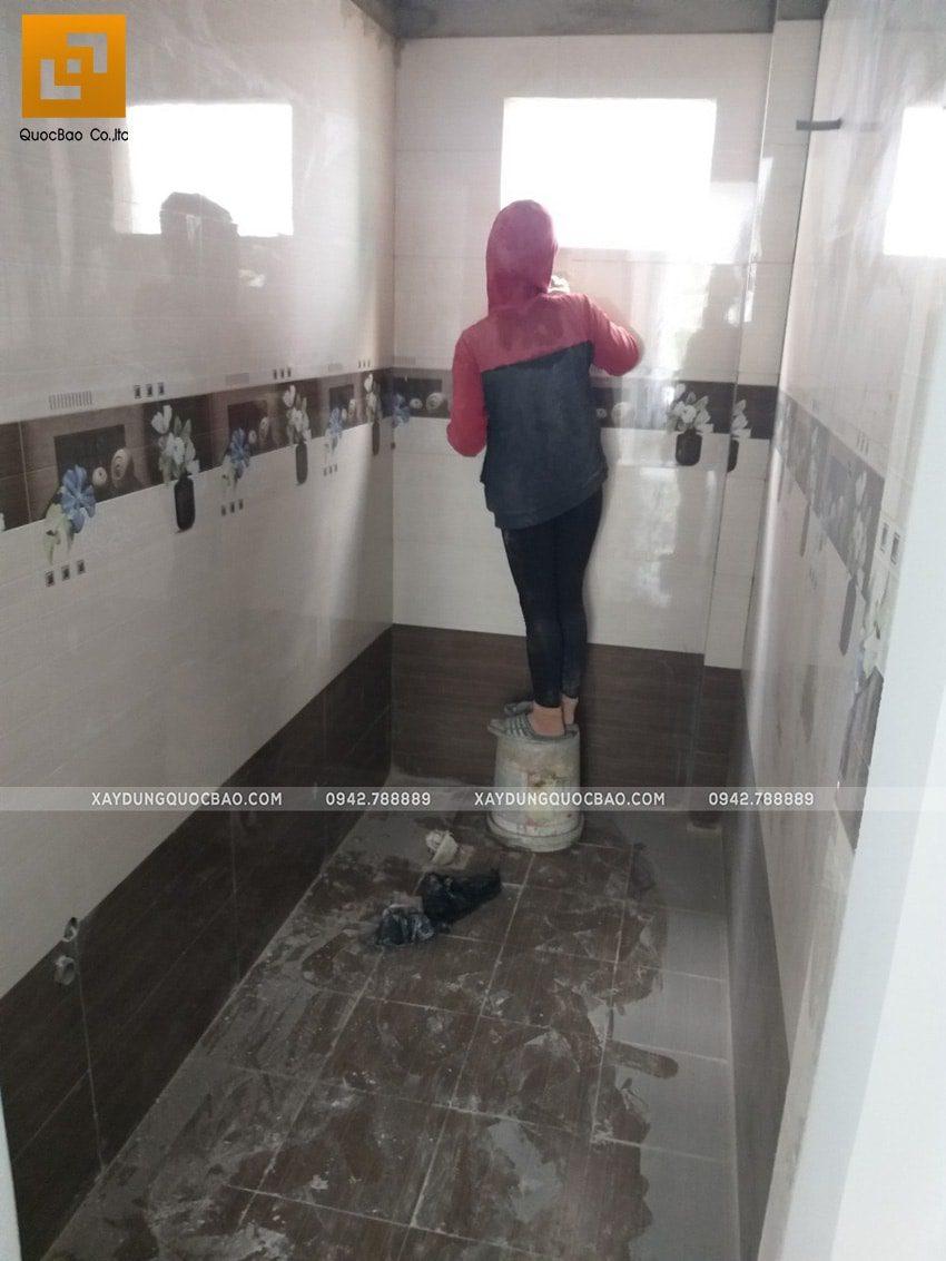 Ốp lát gạch men và công tác vệ sinh tại phòng tắm - Ảnh 2