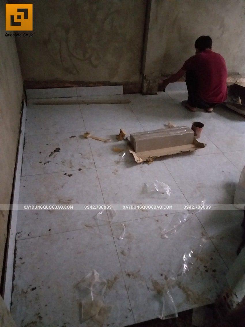 Công đoạn ốp lát gạch men các phòng chức năng trong nhà - Ảnh 2
