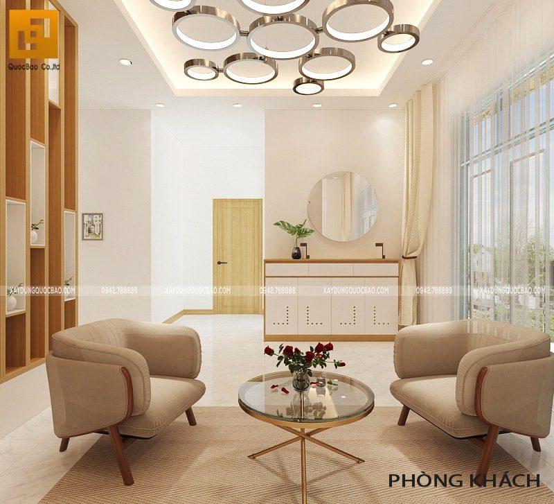 Đèn chùm trang trí, kệ gỗ tạo nên nét duyên của phòng khách