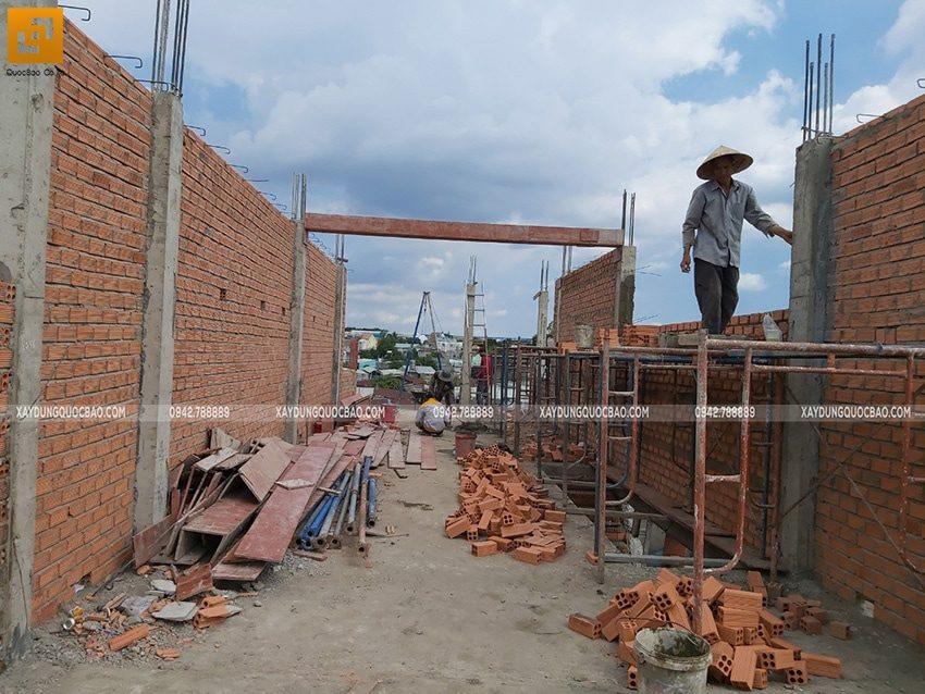 Công tác xây tường bao, tường ngăn ở lầu 2 - Ảnh 2