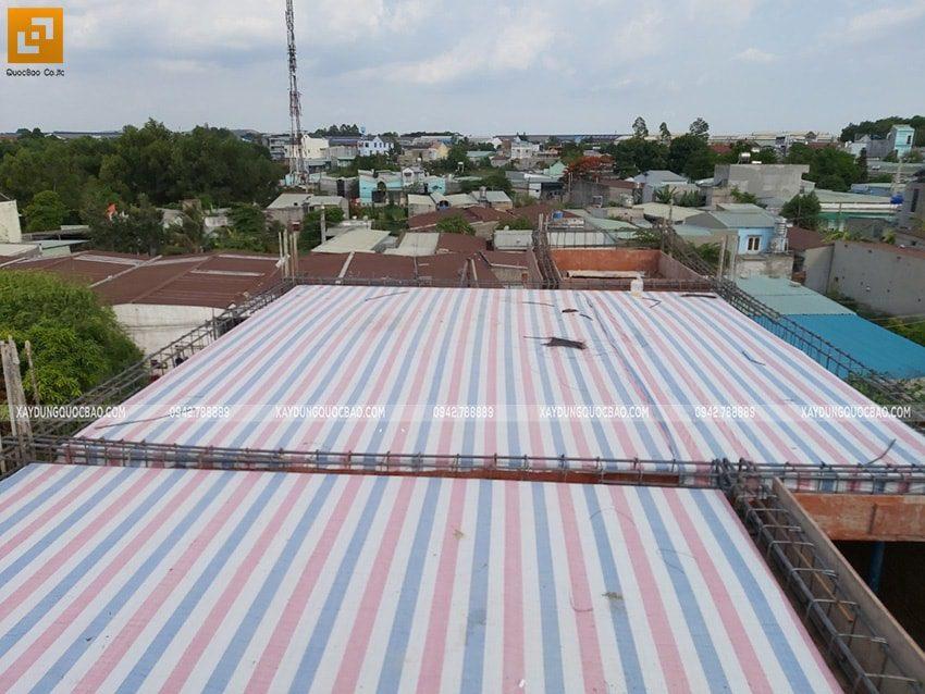 Lắp đặt hệ coffa để đổ bê tông mái