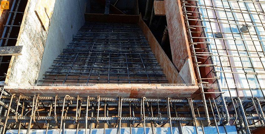 Đan cốt thép 2 lớp dầm, sàn tầng trệt - Ảnh 4