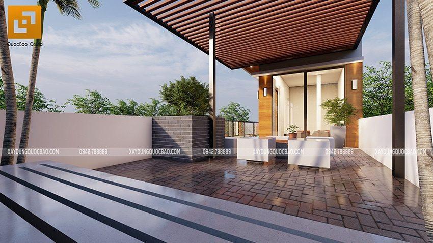 Bộ bàn ghế được kê sẵn ở sân thượng là nơi gia đình cùng ngồi hóng mát và thưởng thức những buổi tiệc ngoài trời
