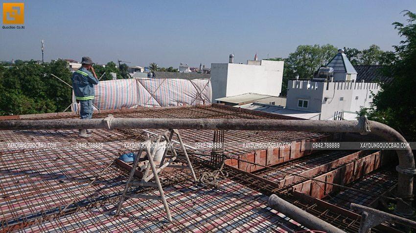 Đổ bê tông sàn mái Biệt thự Nhật Bản - Ảnh 1