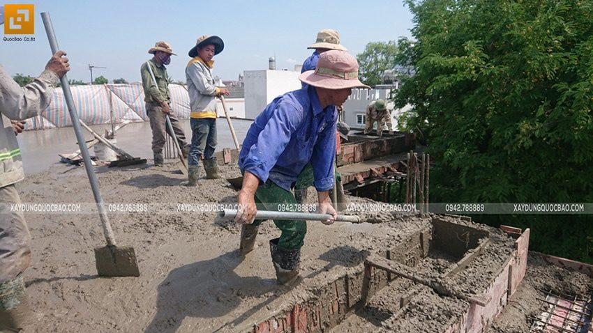 Đổ bê tông sàn mái Biệt thự Nhật Bản - Ảnh 2