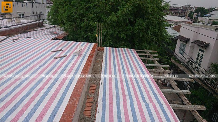 Thi công đan ghép khung cốt thép 2 lớp tại sàn mái - Ảnh 1